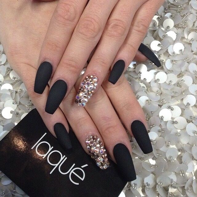 Beautiful Matte Nail Polish 😍💅🏻