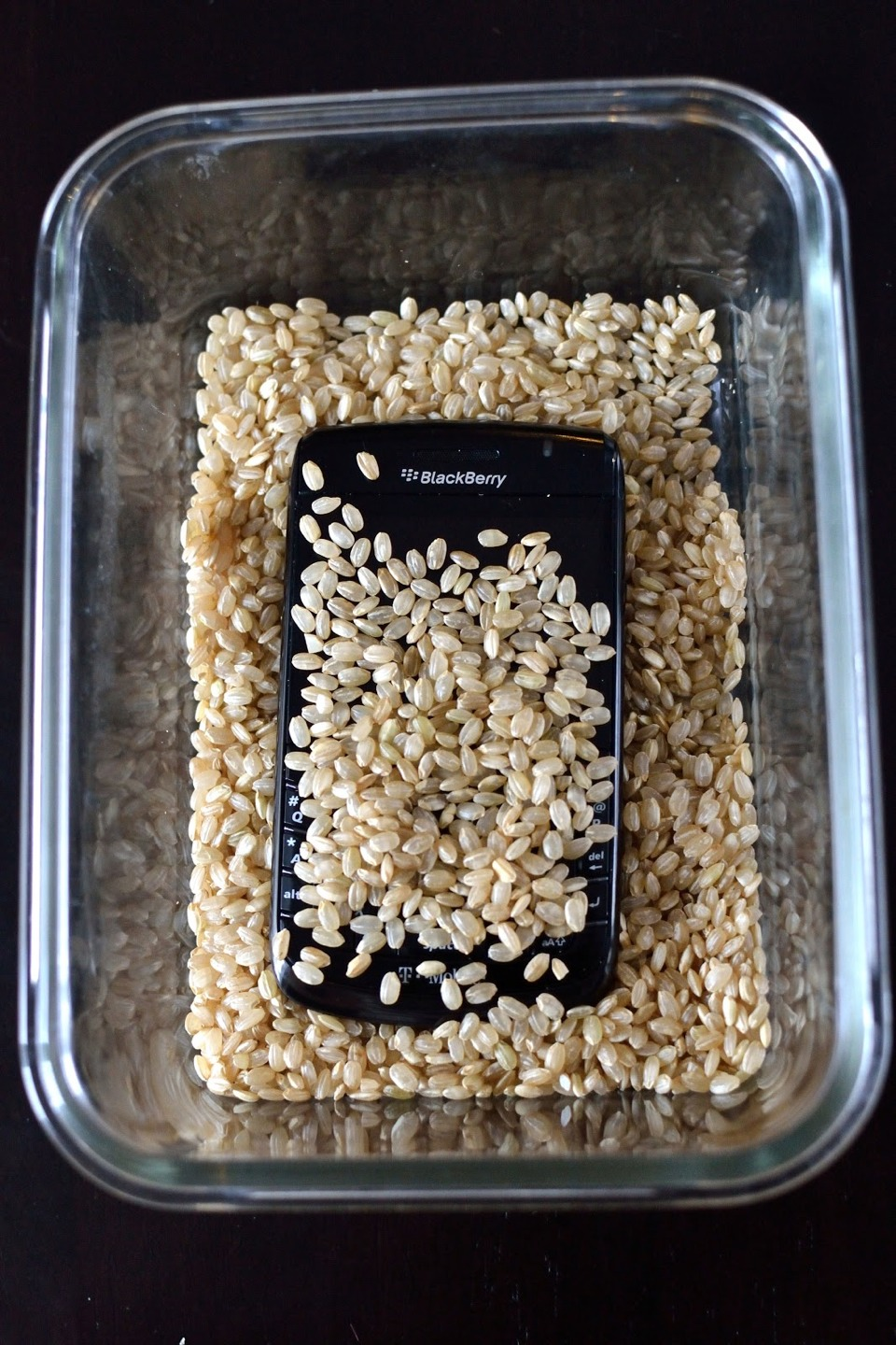 put your phone in a cup of rice if u dropped it in water trusper. Black Bedroom Furniture Sets. Home Design Ideas