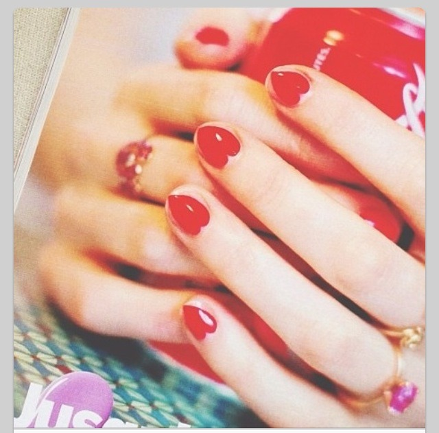 Cute Valentine Nail Art: Cute Easy To Do Valentines Day Nails!