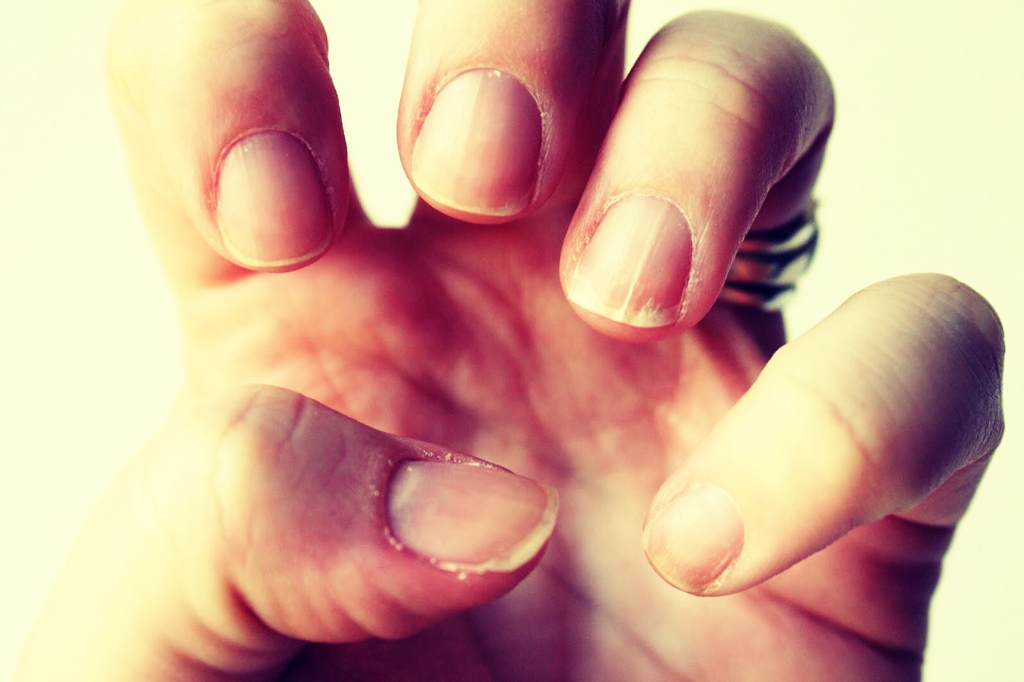 how to keep nails clean