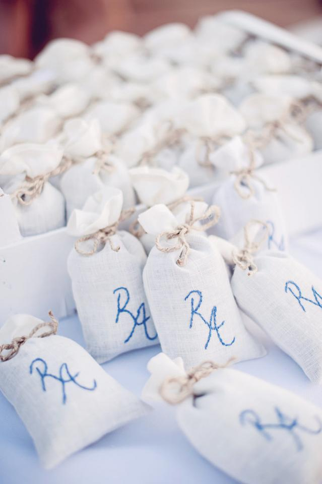 Wedding Favor Bags Under USD1 : 30 Wedding Favors You Wont Believe Cost Under USD1 Trusper