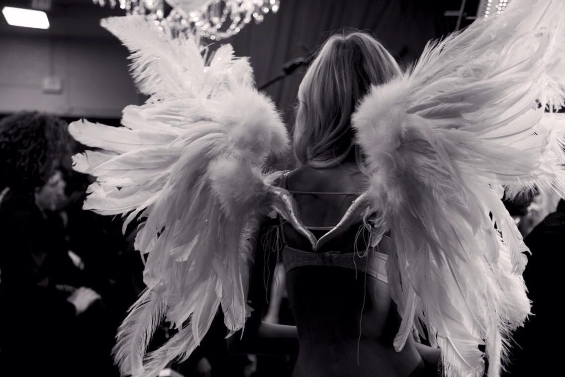 DIY Victoria's Secret Angel Wings!