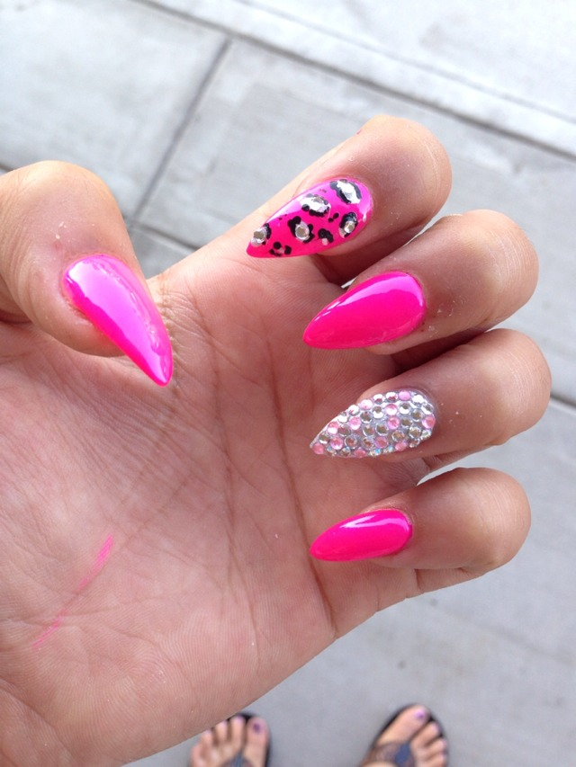 Pointy nails with diamonds beautify themselves with sweet nails pointy nails designs with diamonds pointed nails design idea prinsesfo Images