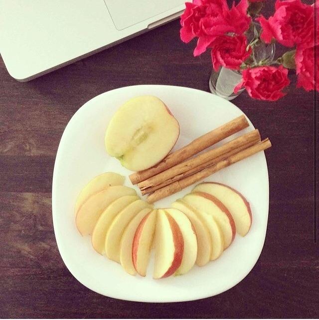 how to make apple cinnamon detox water