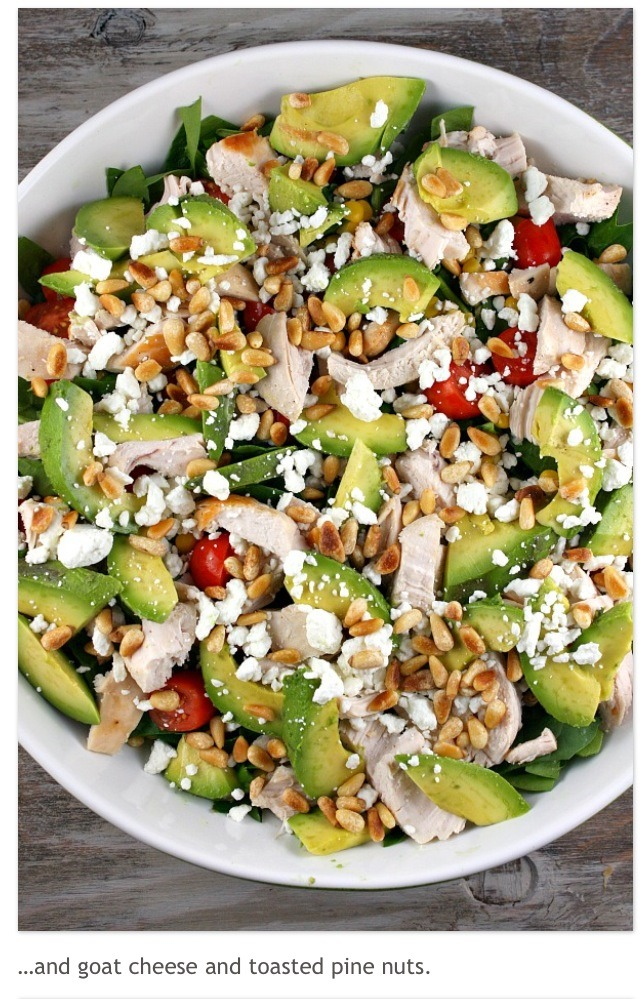 """Delicious Spinach Salad With Chicken, Avocado & Goat Cheese""""👍"""
