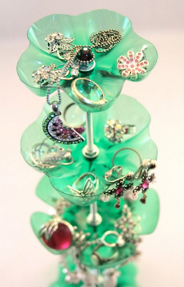 please recycle diy jewelry holder out of recycled