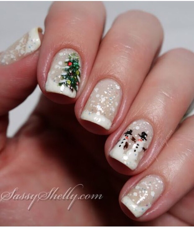 More Holiday Nail Art 😍❄️⛄️🎅