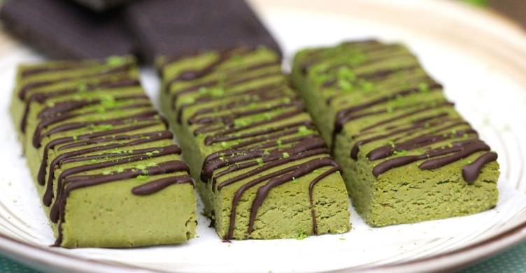 healthy matcha green tea fudge protein bars gluten free
