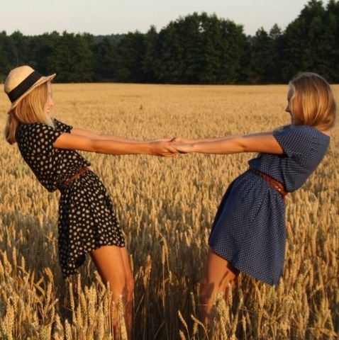 Friendship Photography Poses