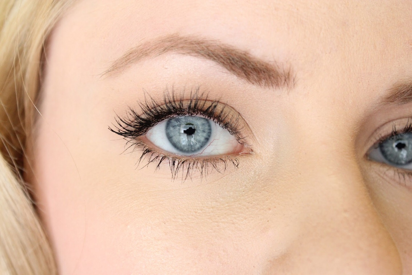 Only Apply Eyeliner On The Outer Half Of Your Top Lid For ...