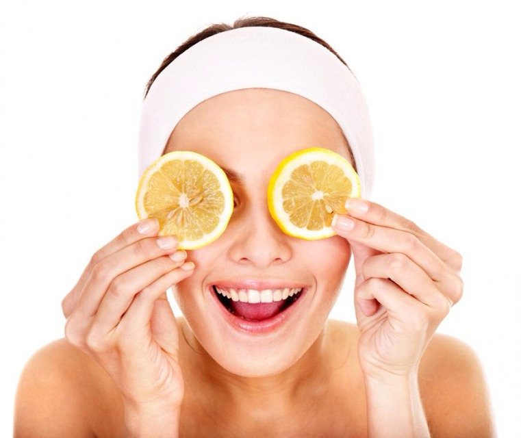Best Homemade Facial Masks & Scrubs