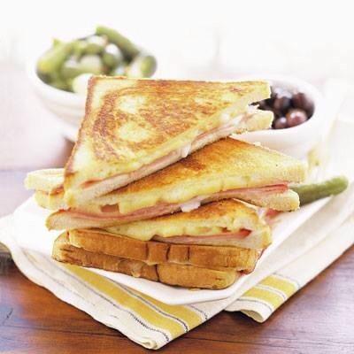 ham and cheese sandwich croque monsieur le croque monsieur toasted ham ...