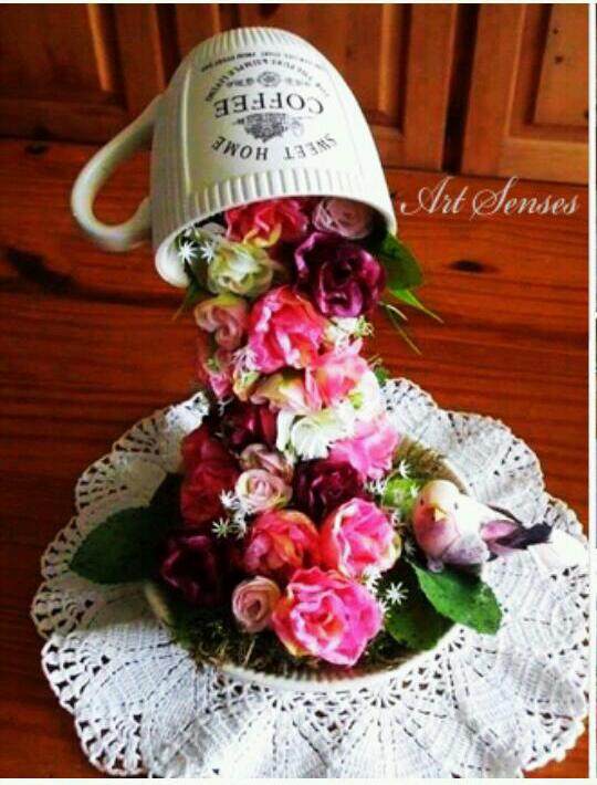 Beautiful Cup Flower Pouring Arrangement # tipit
