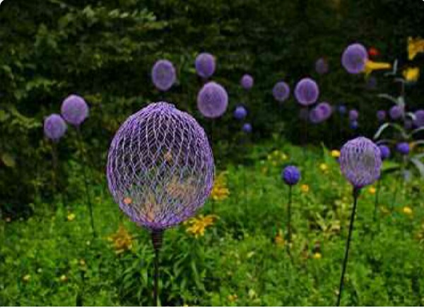 Use Chicken Wire And Spray Paint to Create This Mystical Garden Look!