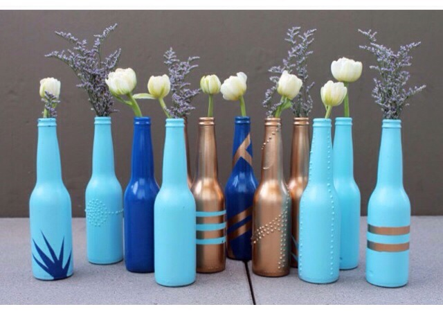 Turn Beer Bottles Into Cute Vases