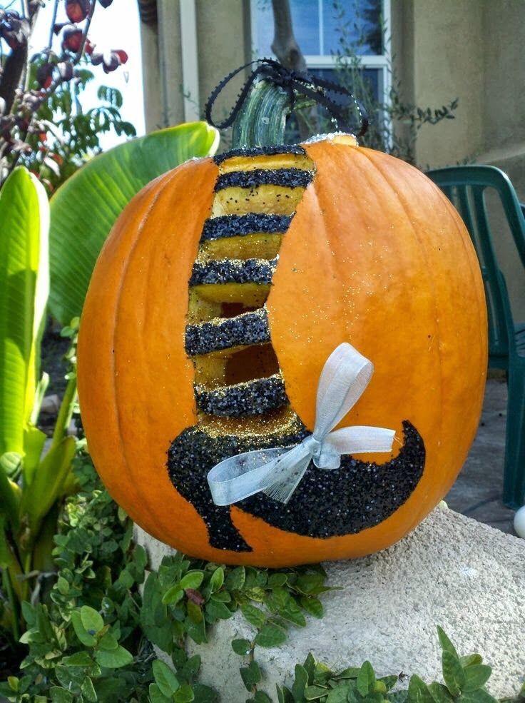 40 unique jack o lantern ideas trusper - Charming halloween decoration using love pumpkin carving ...
