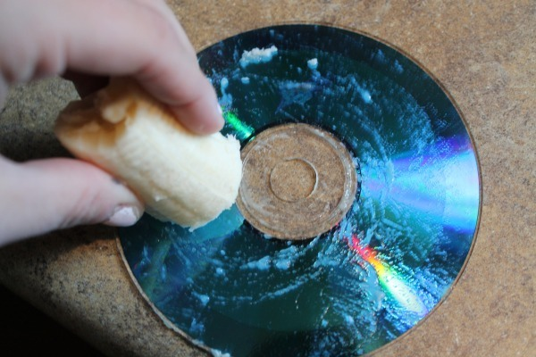 how to clean a scratched disc