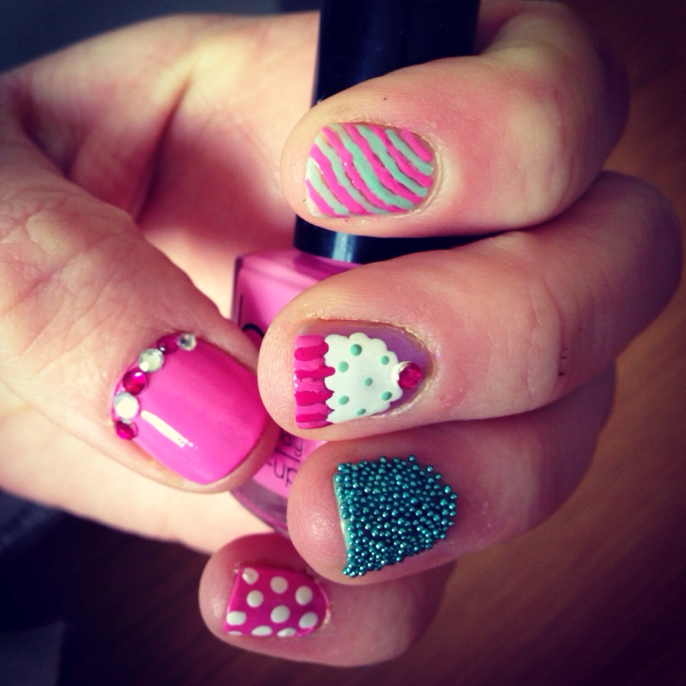 Quick And Easy Nail Art Ideas - Sweetie