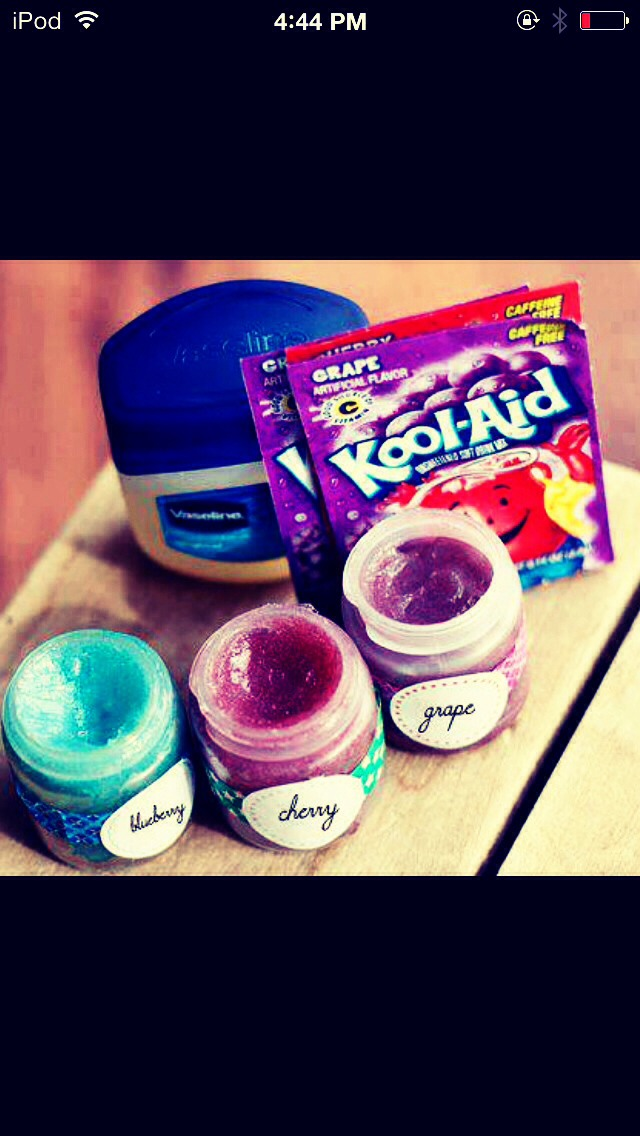 Nov 02,  · Another good way to make lip gloss is to use the petroleum jelly, but instead of eyeshadow, use Kool-Aid mix. This can be a lot cheaper, and works just as well. Add vanilla extract or another flavoring to make your lipstick taste good%(36).