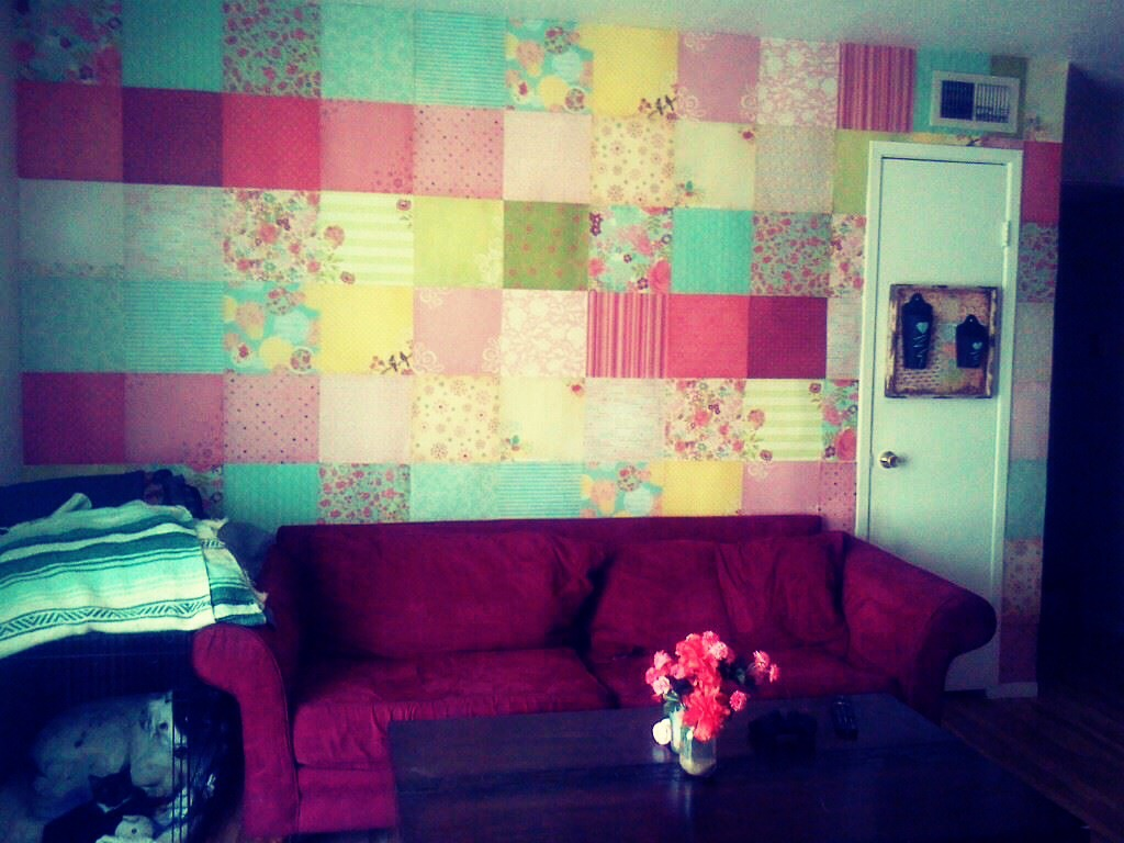 Easy way to decorate your walls in a rent house apartment trusper - Ways to decorate your walls ...