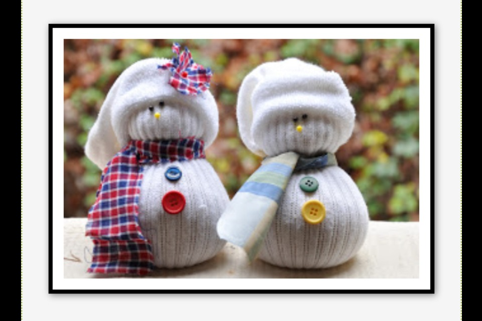 Cute Easy DIY Craft Sock Snowmen