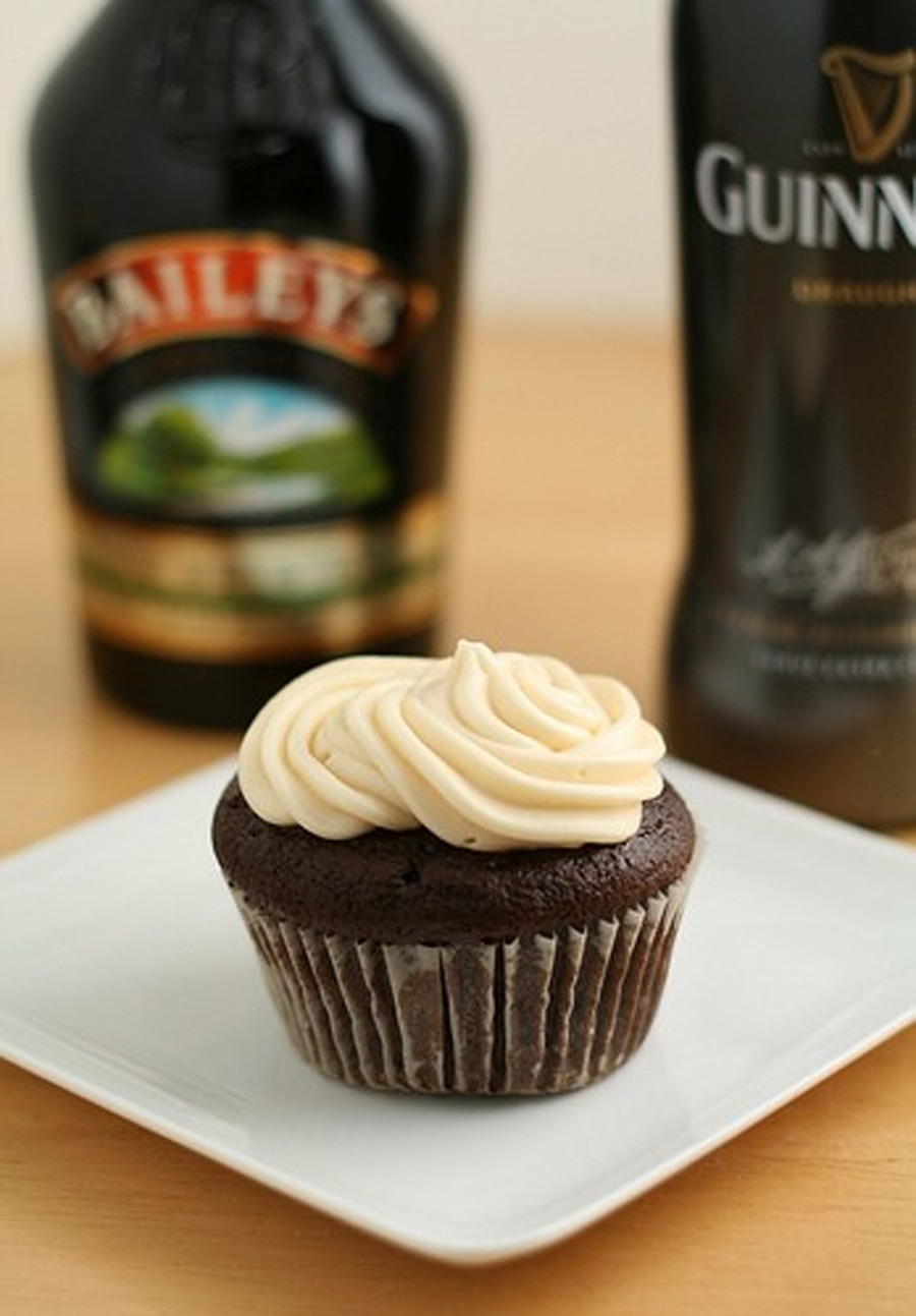 INGREDIENTSFor the Guinness chocolate cupcakes:1 cup stout (Guinness ...