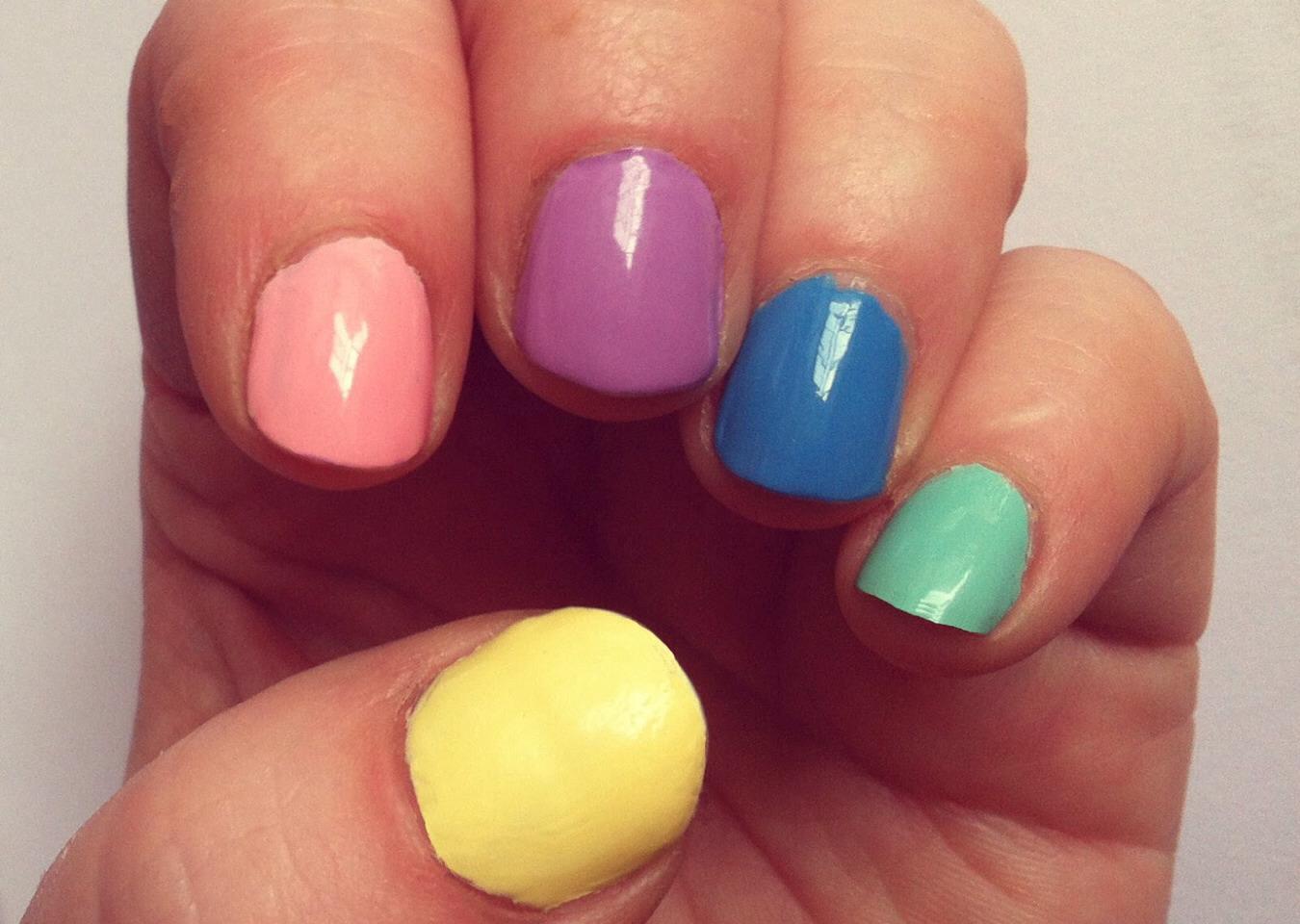 Easy Ways To Paint Nails | Trusper