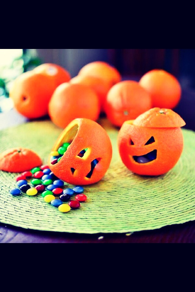 DIY: Orange Jack-O-Lanterns 🎃 Easy for the younger kids!