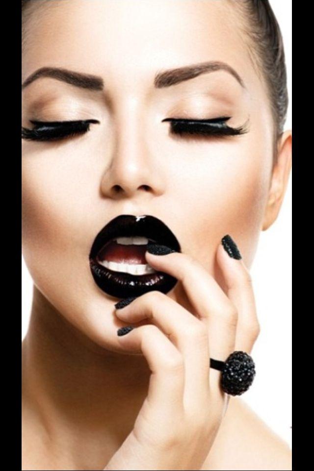 Black Lips Makeup Perfect Fall Trusper
