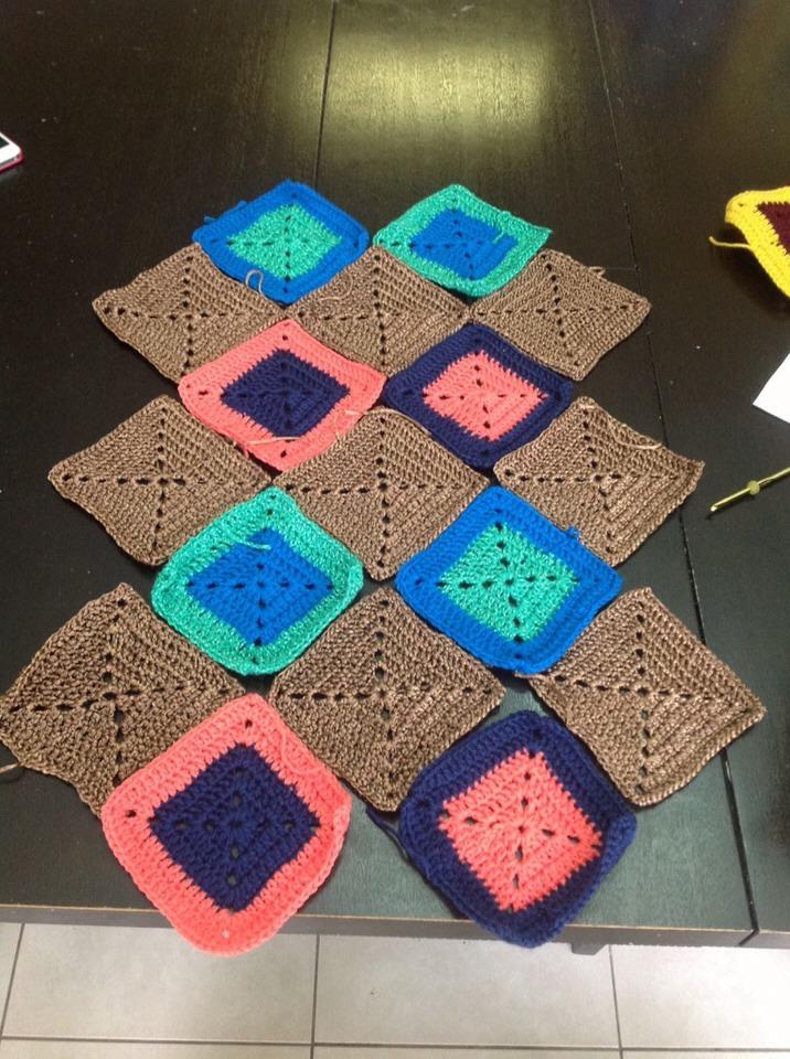 Crochet Granny Square Hobo Bag Pattern : DIY Hobo Bag - Crochet Trusper
