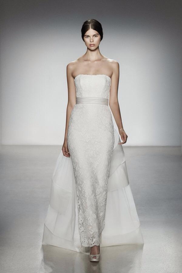 Sleek Wedding Dresses! | Trusper