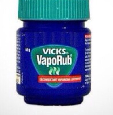 Use Vicks Vaporub On Chapped Lips To Heal Faster