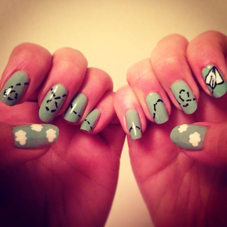Quick And Easy Nail Art Ideas - Paper Aeroplanes