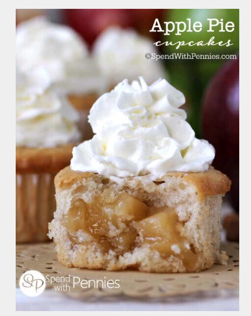 """ Delicious Apple Pie Cupcakes"""