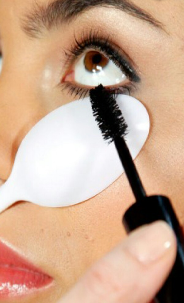 how to make eyelashes look thicker and longer without mascara