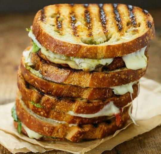 Sun Dried Tomato And Grilled Cheese Spinach Sanwiches ! Scrumptious!!