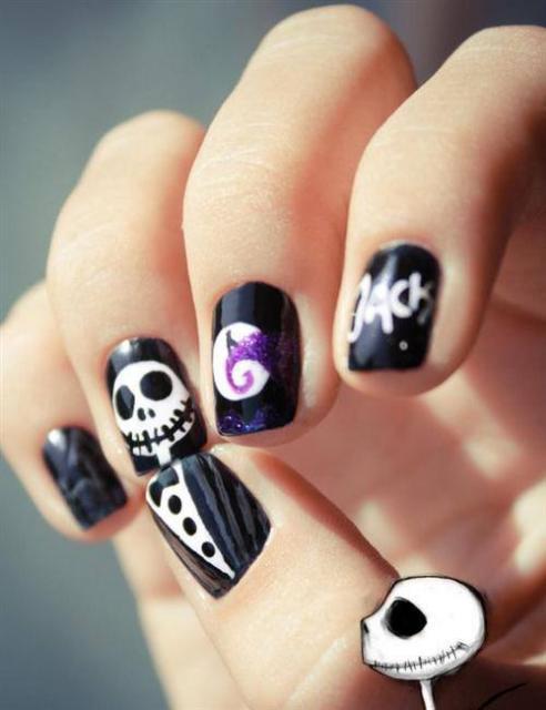 14 Super Cute Halloween Nail Art Ideas