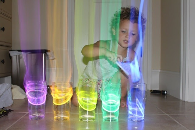 The Perfect DIY Glow In The Dark Activity For The Kids! 100% WORKS!