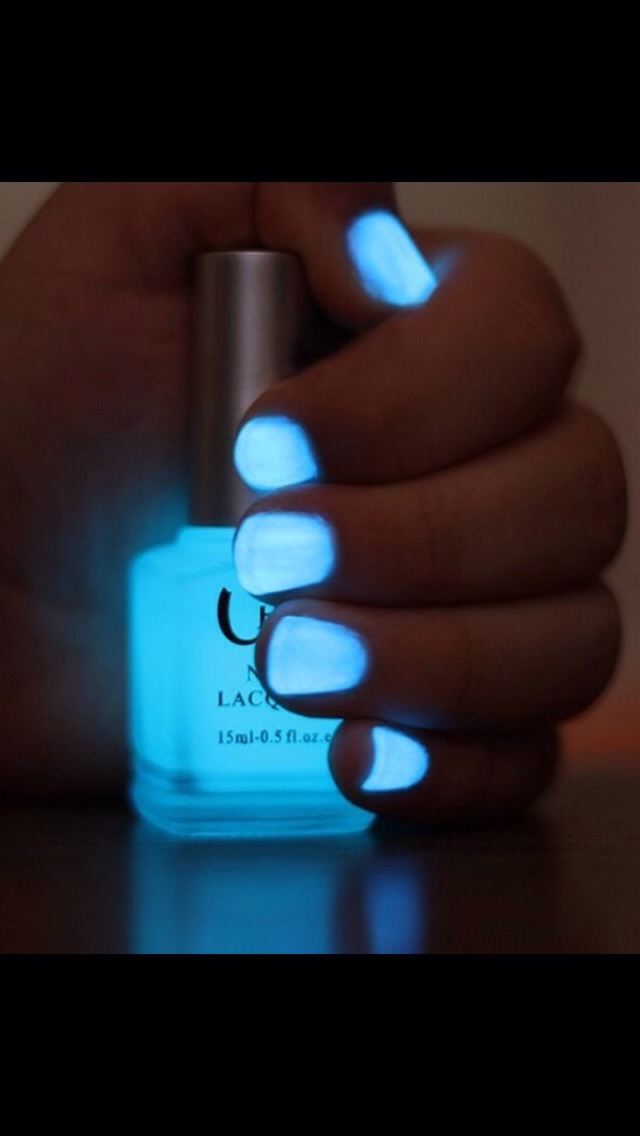 How To Make Glow In The Dark Nail Polish
