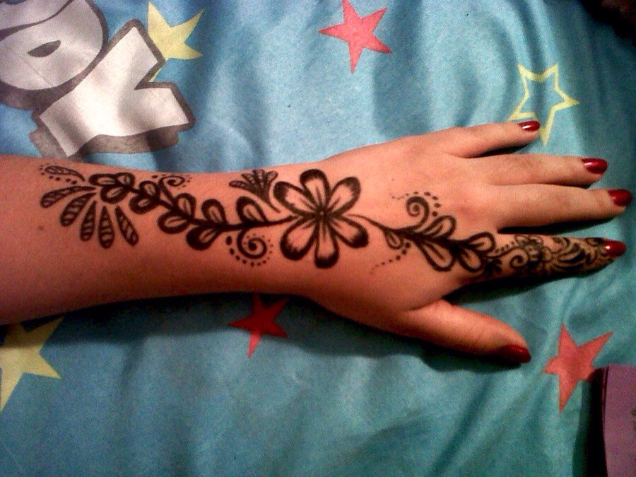 Henna Tattoo Tips : Henna tattoos tipit trusper