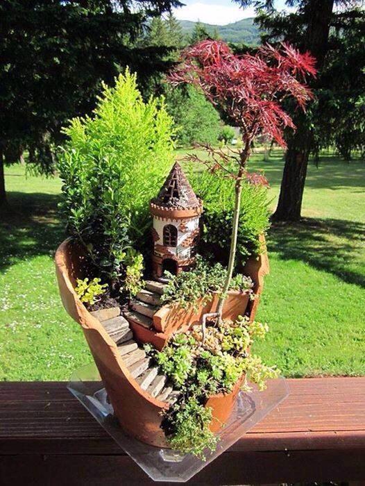 Broken Pots Turned Into Brilliant DIY Fairy Gardens!