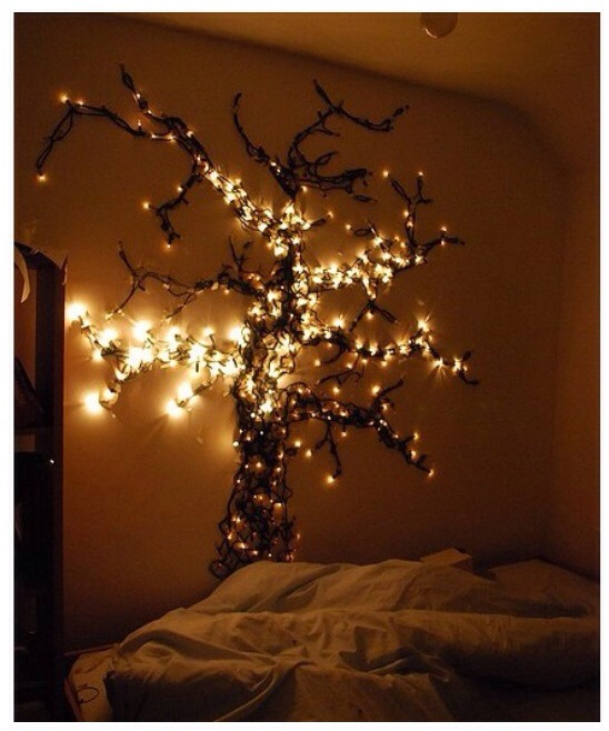 14 Ways To Hang Christmas Lights In A Room Trusper