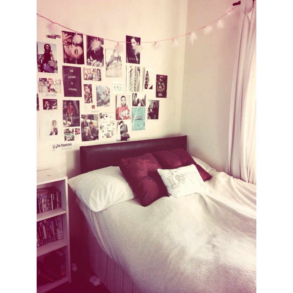 Make Your Room Look Tumblr With Fairy Lights And Magazine