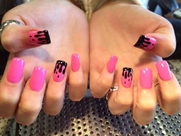 Дизайн ногтей чёрный с розовым