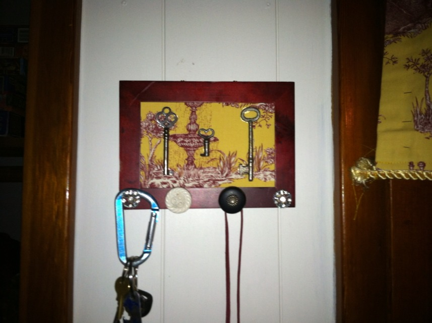 did you know how to make a diy key holder to match any room