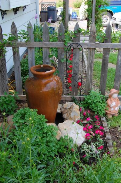 Backyard Garden Tutorial : Transform your backyard garden with a beautiful fountain