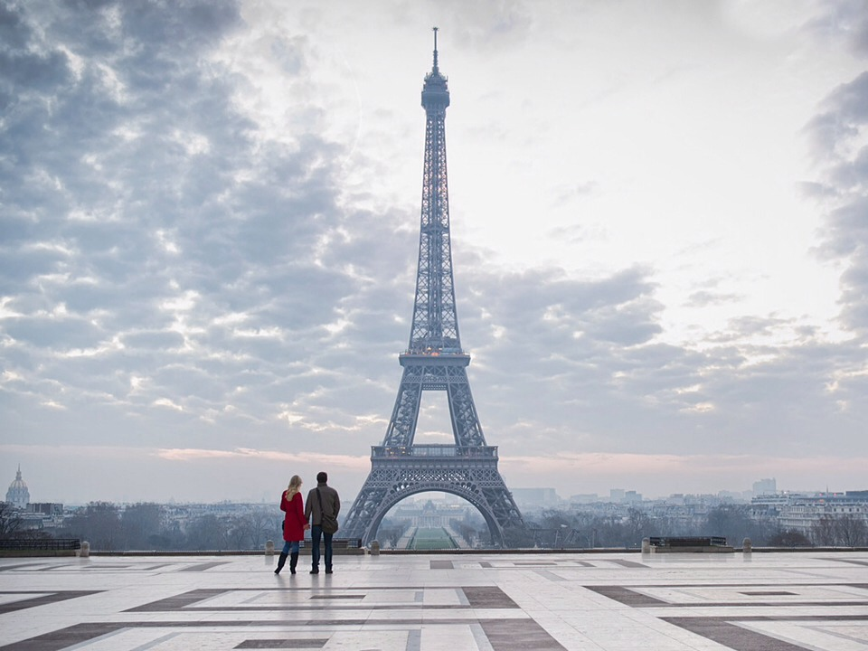 5 romantic places to visit with someone you love trusper for Places to stay near eiffel tower