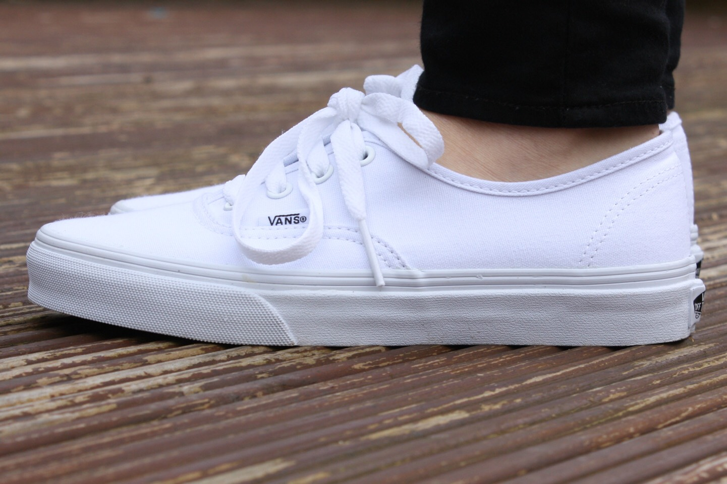 How To Clean Really Dirty White Shoes