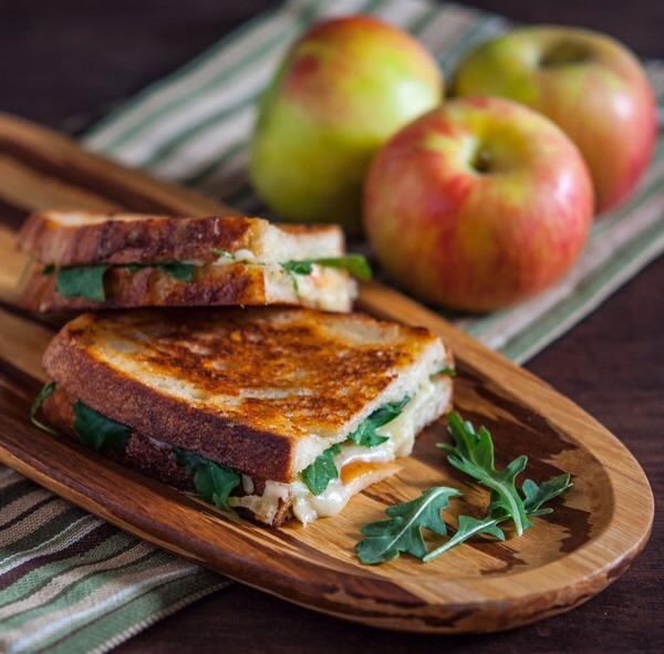Grilled Gruyere & Apple Sandwich | Trusper