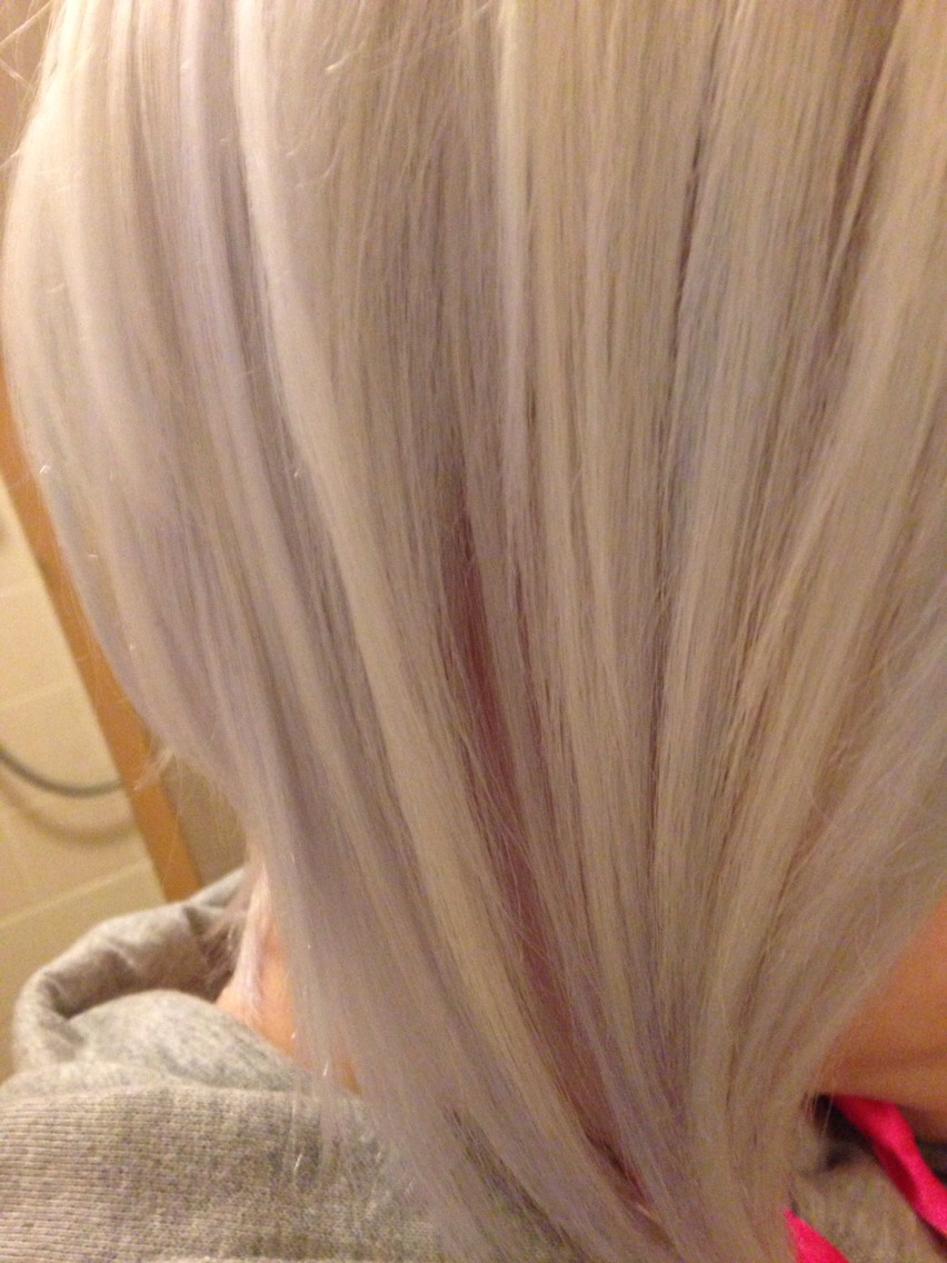 How to get your hair white blonde
